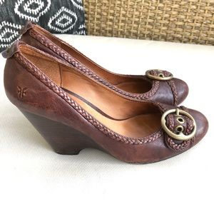 Frye Hannah Pump Brown Leather Wedge